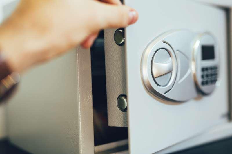 Gdzie się sprawdzą szafy metalowe na dokumenty?