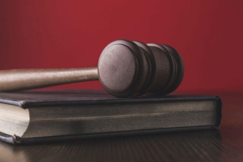Jak uzyskać pomoc prawną podczas pobytu za granicą?