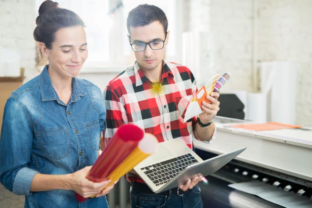 Co należy wiedzieć o gadżetach firmowych?